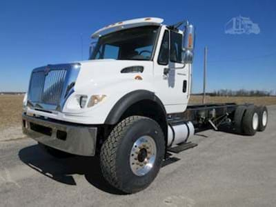 2005 International 7600 Cab & Chassis Semi Truck, Cummins ISM, 385HP, Jakes, Eaton 10 Speed Manual