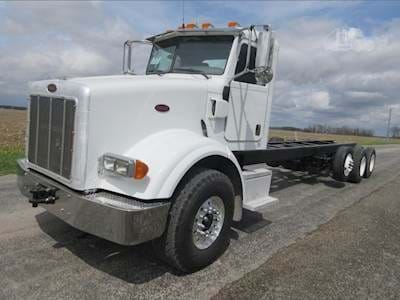 2007 Peterbilt 357 Cab & Chassis Semi Truck, CAT C11, 370HP, Jakes, Eaton 8LL Manual