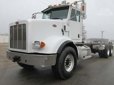 2009 Peterbilt 365 Cab & Chassis Semi Truck, CAT C13, 370HP, Jakes, Eaton 18 Speed