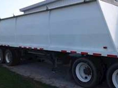 2000 Drake 28ft Grain Hopper Trailer, Closed Axle