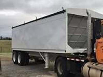2004 28ft Hopper / Grain Trailer